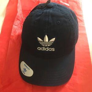 NWT Adidas hat Navy blue / white New